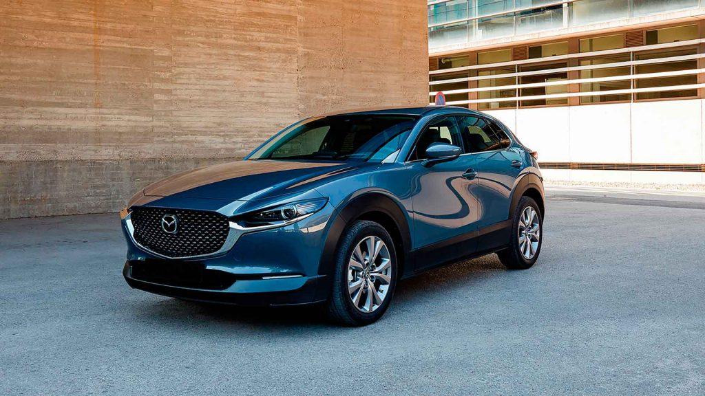 Mazda Polymetal Gray, recorriendo el camino con estilo