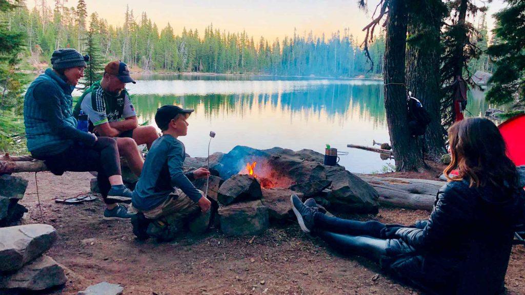 Cómo acampar con niños y no morir en el intento