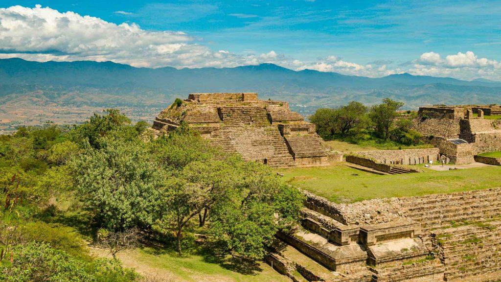 SECTUR solicita declarar el turismo como actividad esencial en México