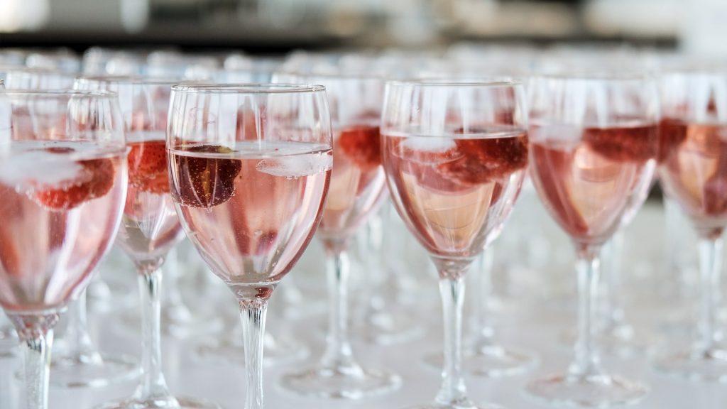 Vinos rosados con cocina de Supra, mezcla femenina y poderosa