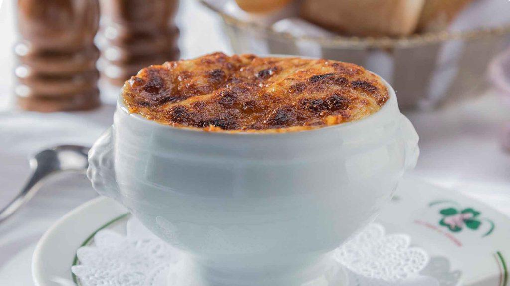 Marzo de sopa de cebolla al 2×1 en Au Pied de Cochon