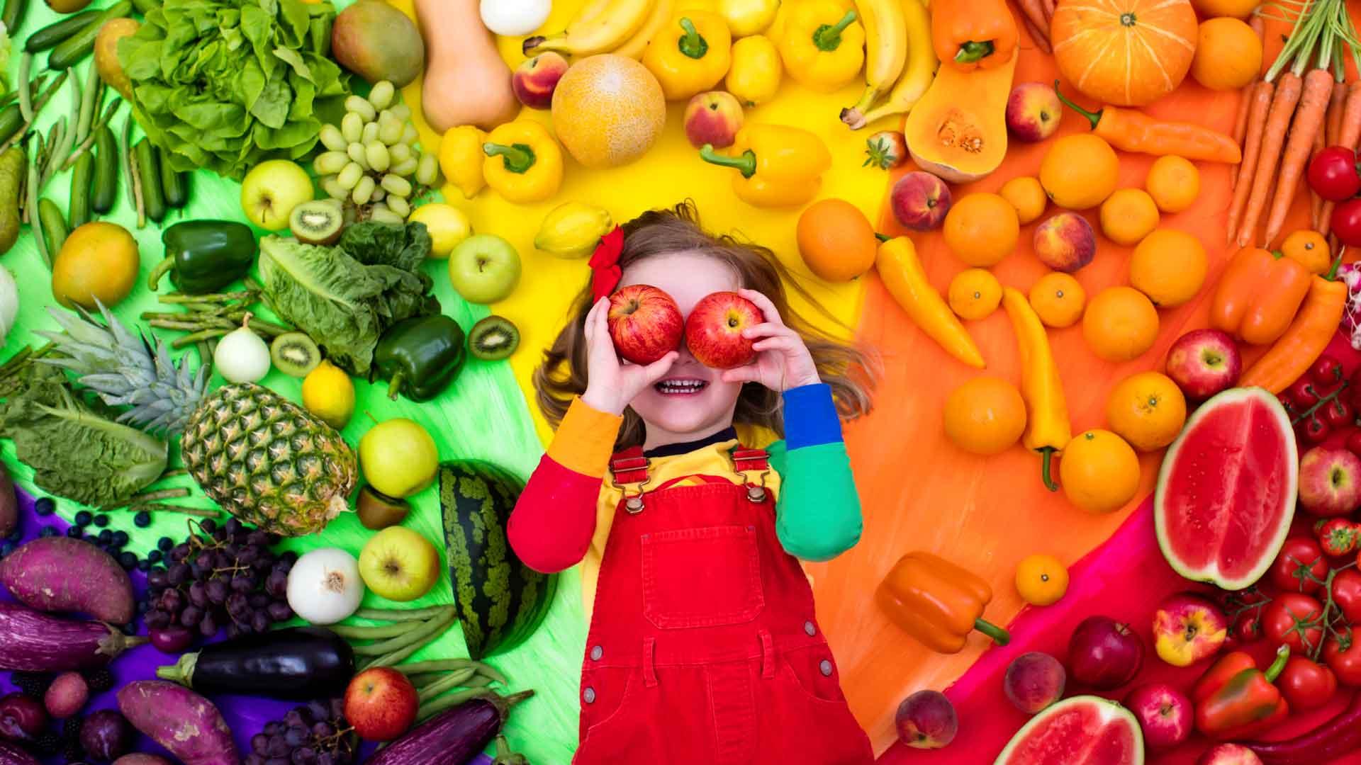 ¿Cómo influyen los colores en la comida?