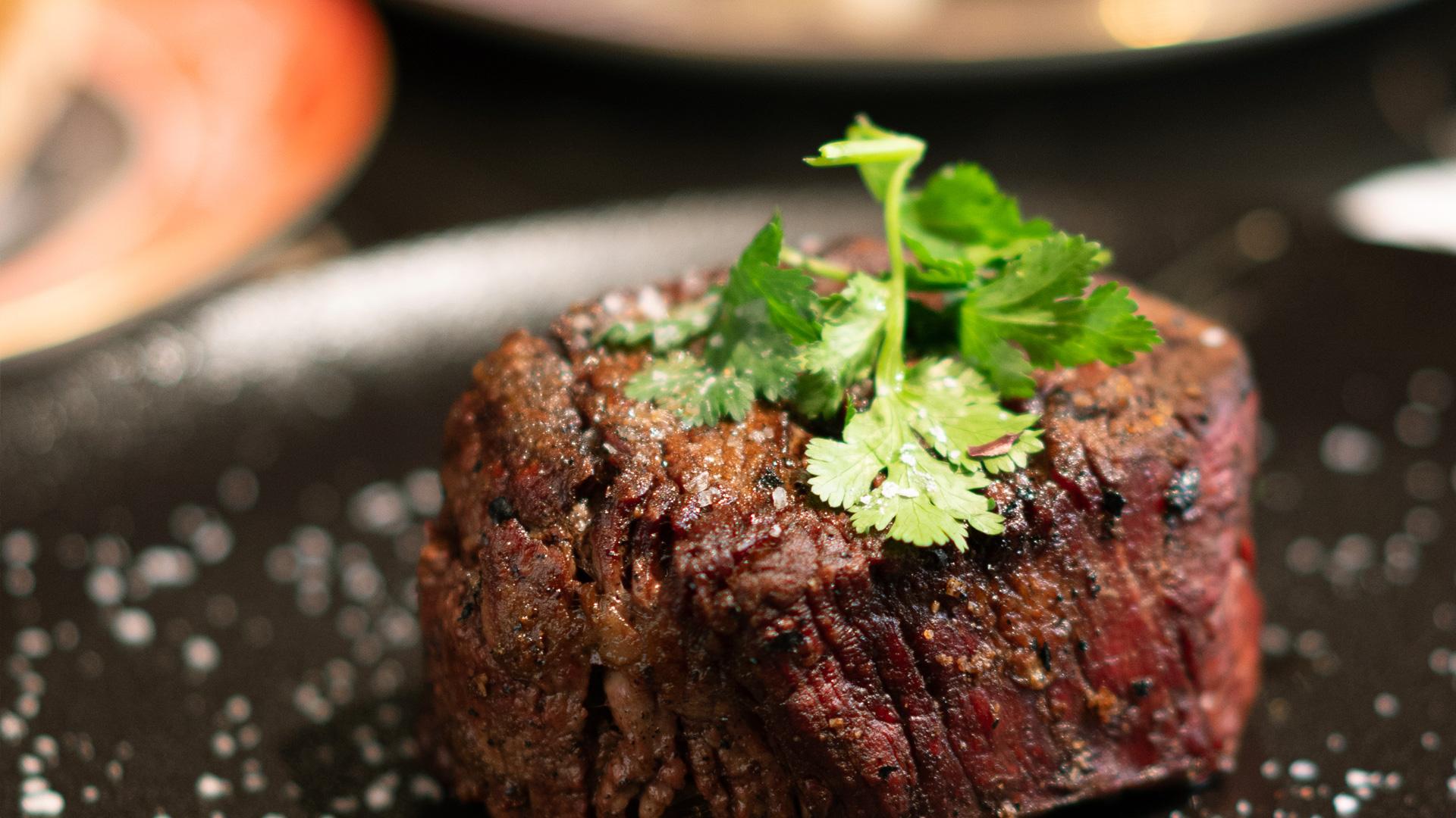 Colmillo, un restaurante que trata a la carne como se merece