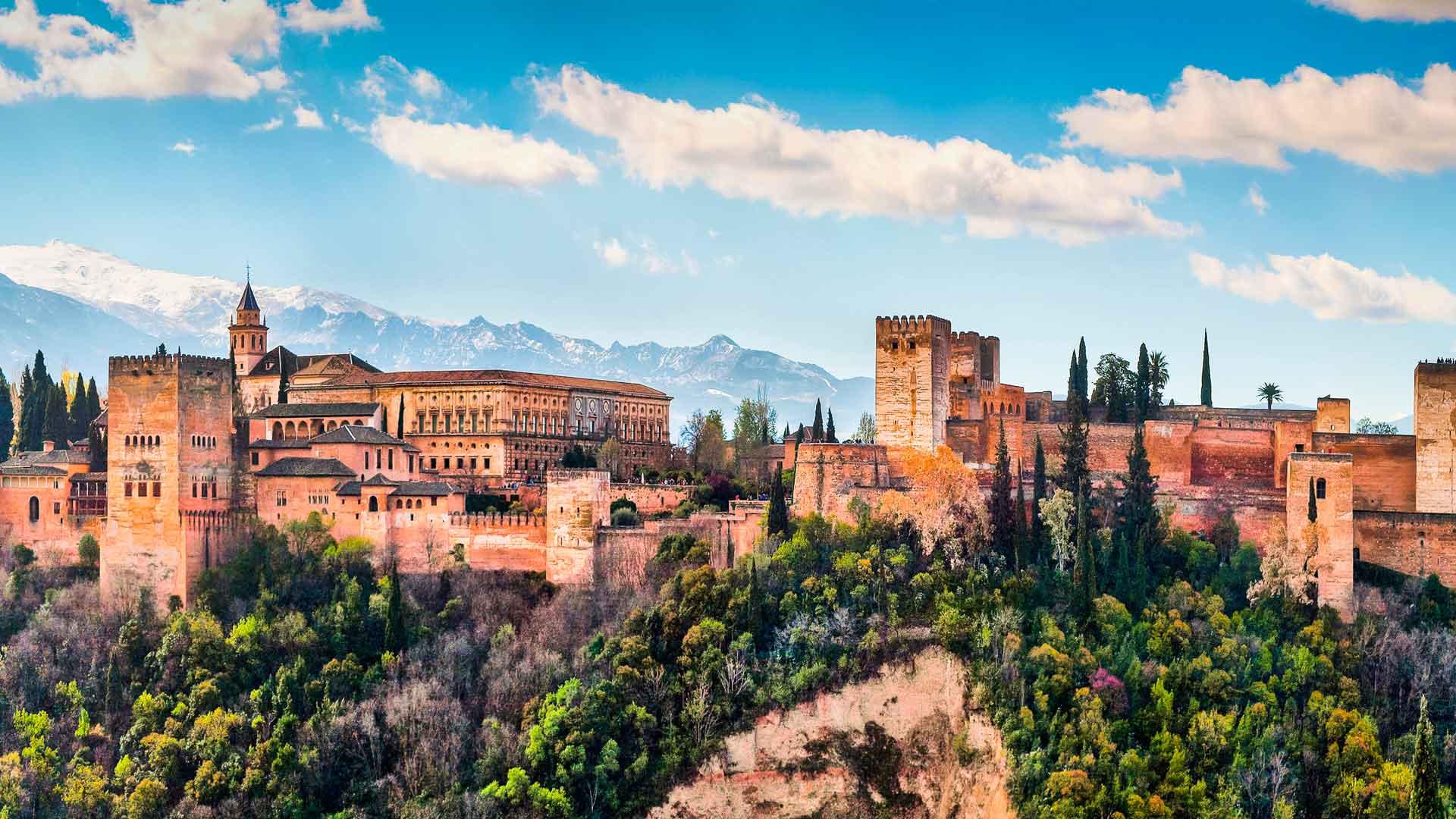Datos que debes saber antes de viajar a España