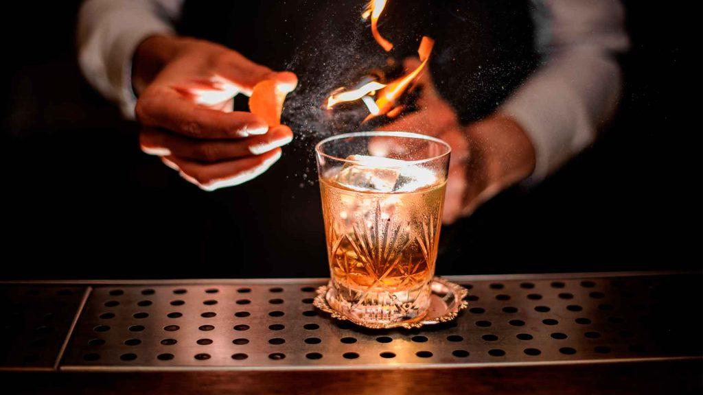 5 cocteles con whisky para quienes gustan de lo clásico
