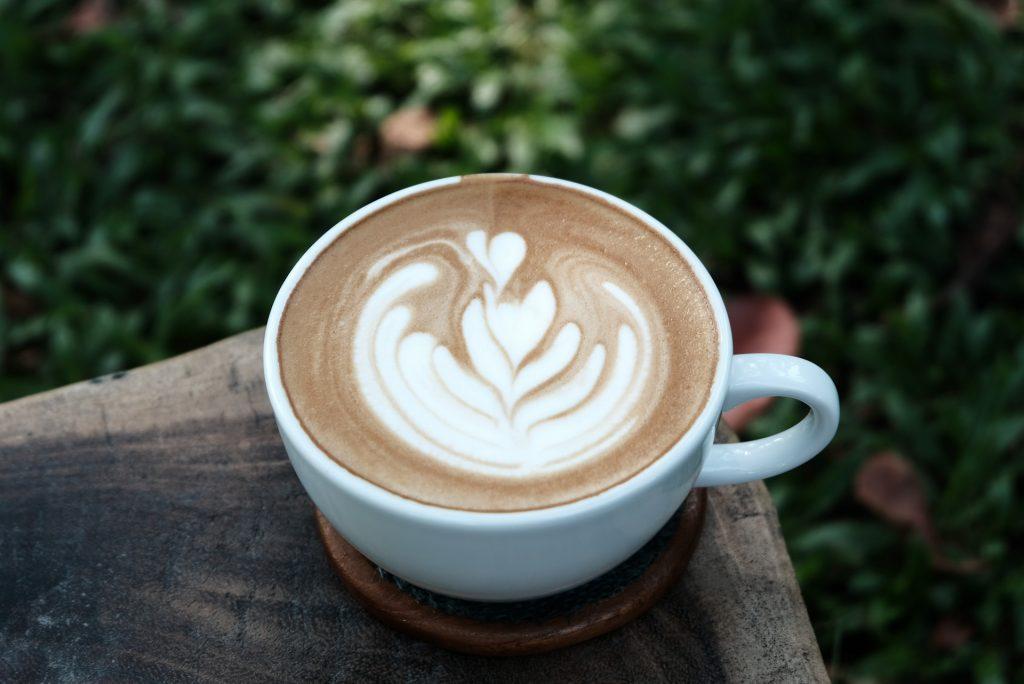Prepara estos cafés para el verano con Carlos de la Torre y Breville