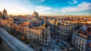 España abre sus puertas a turistas vacunados