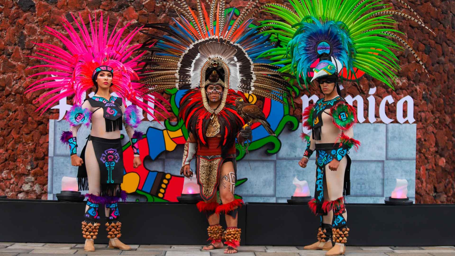 Prehispánica: espectáculo mexica en las trajineras de Xochimilco