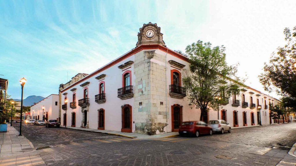 Quinta Real Oaxaca te invita a brindar con su colección de mezcales