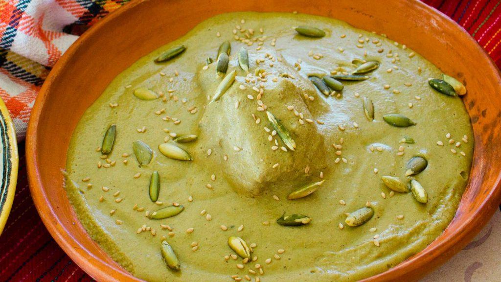 Pipián verde con un toque del chef Erik Santiago
