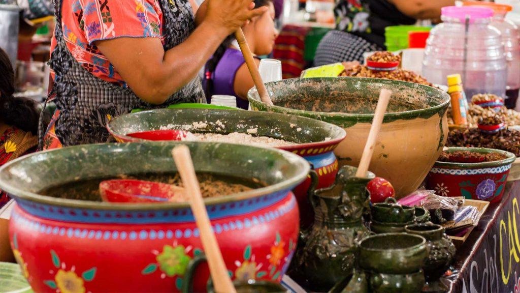 Cocineras tradicionales de Oaxaca recibirán reconocimiento internacional
