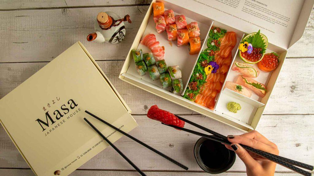 Masa Japanese House: barra de sushi en casa
