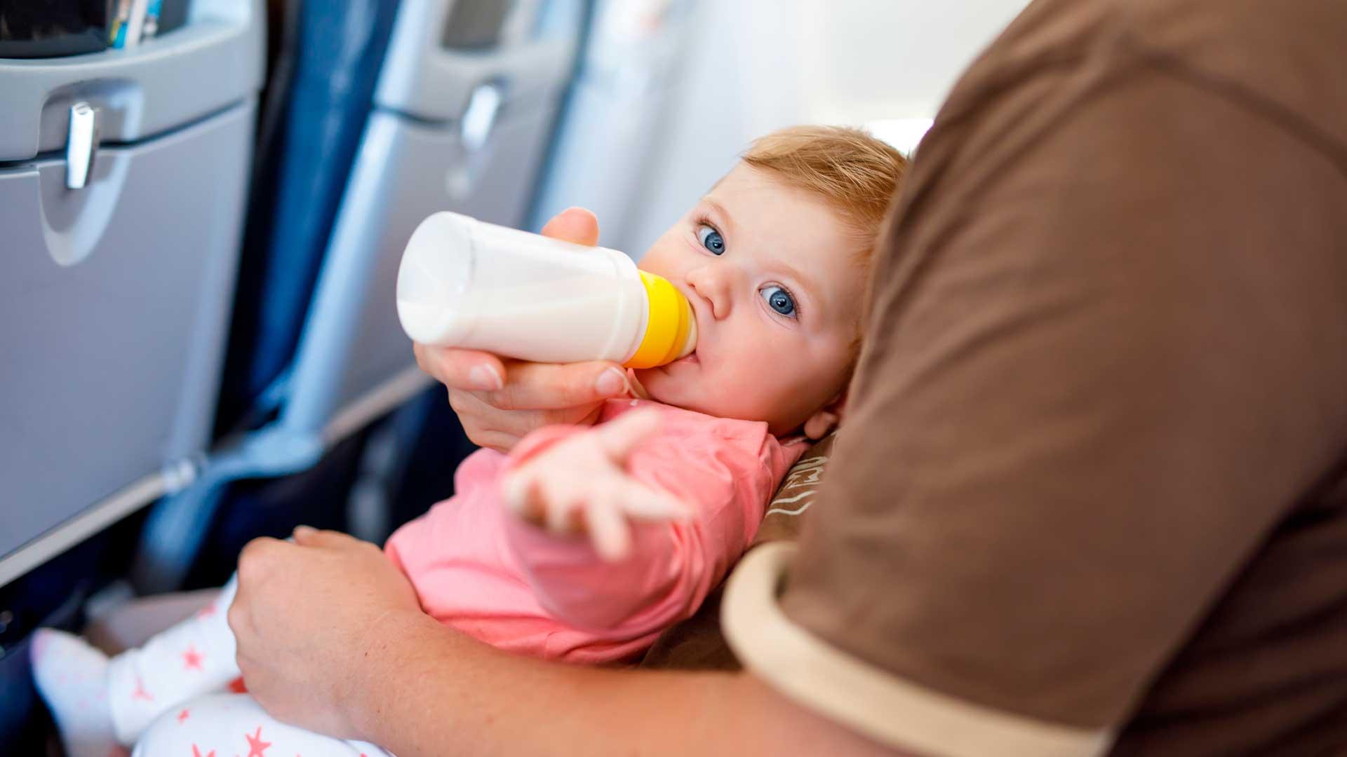 Requisitos para viajar en avión con bebés