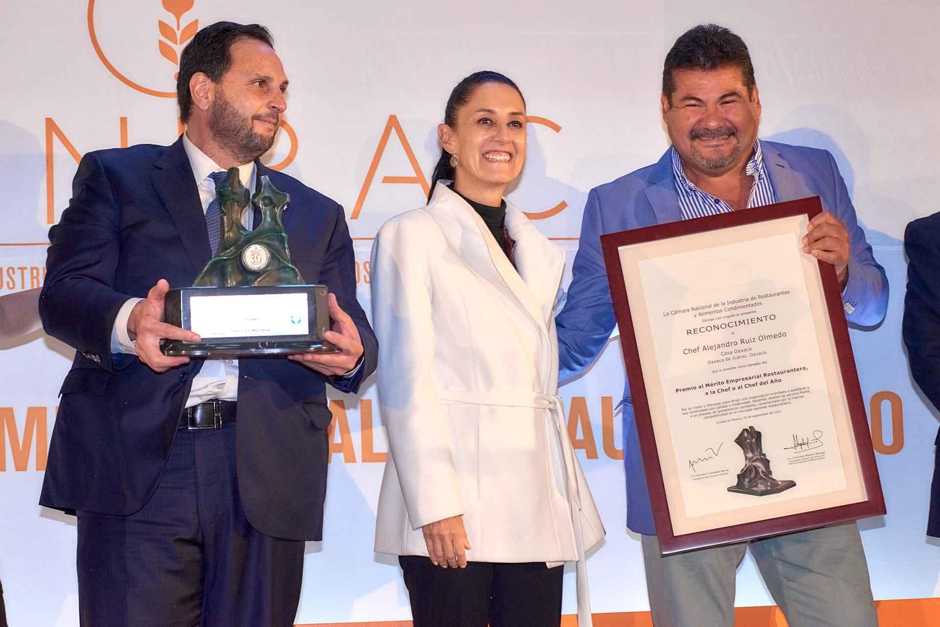 CANIRAC celebra 30 años del Premio al Mérito Empresarial Restaurantero